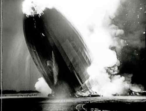 Hindenburg disaster Lakehurst 1937