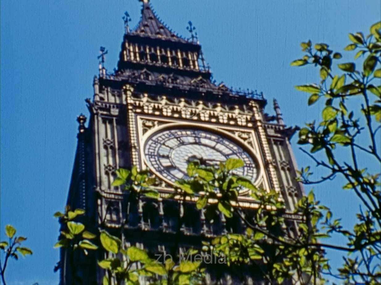 House of Parliament, London, Mai 1944