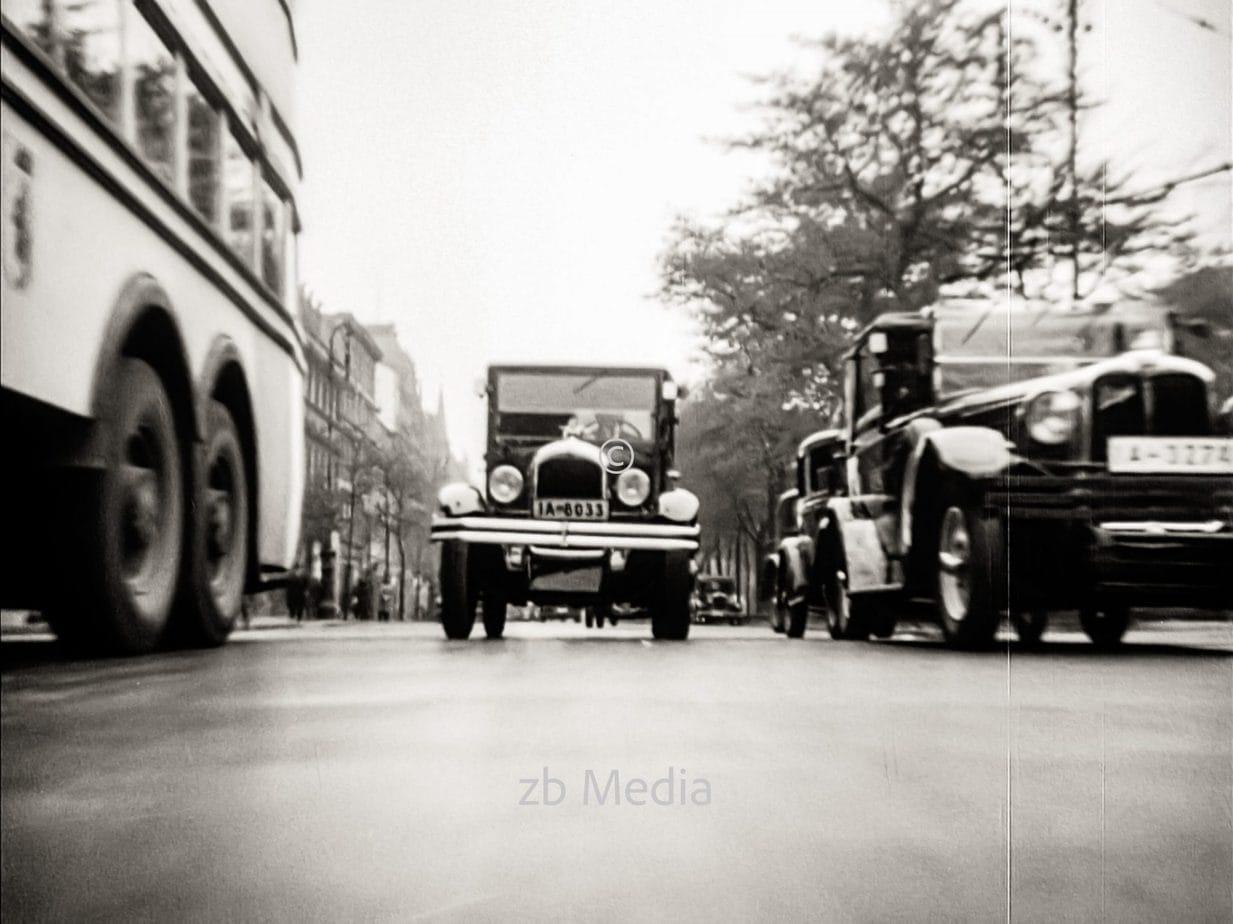 Straßenverkehr in Berlin 1930