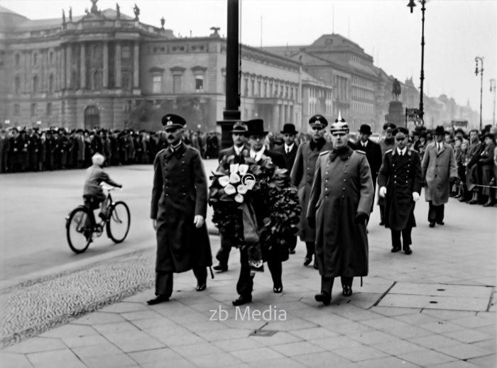 Kranzniederlegung an der Neuen Wache Berlin 1937