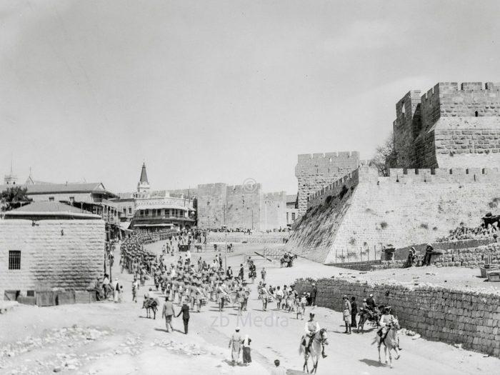 Parade der Scots Guards in Jerusalem 1936