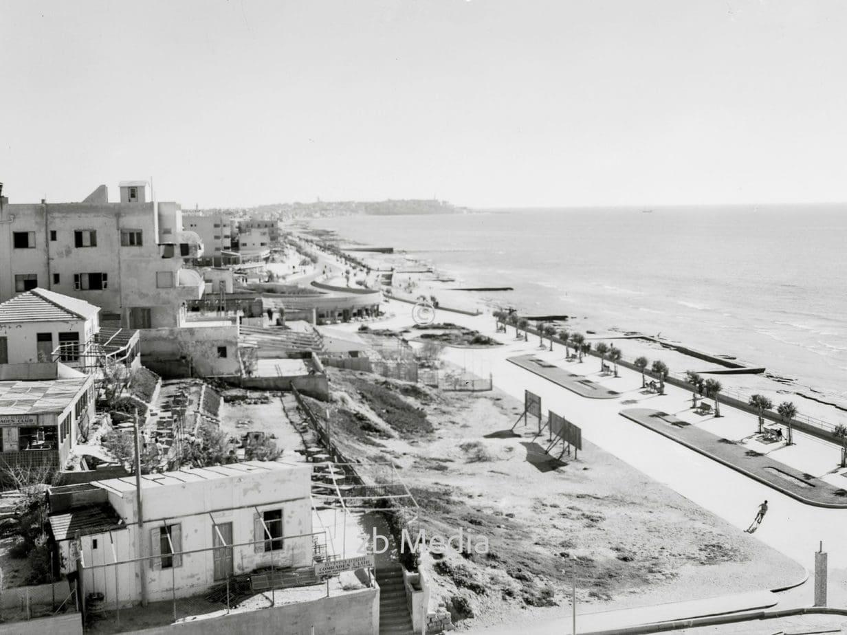 Strandpromenade von Tel Aviv, Londoner Platz 1935