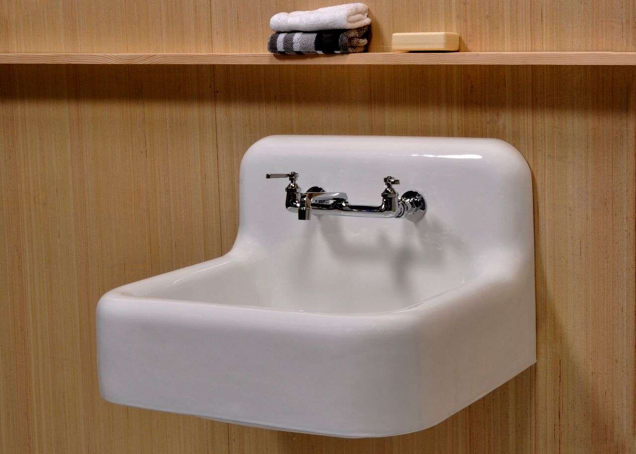 the claiborne 25 enamel cast iron small farmhouse kitchen sink