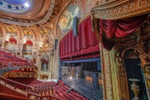 Chicago Theatre - Historic