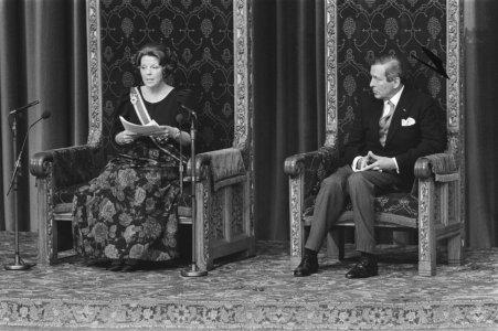 Koningin Beatrix leest troonrede voor