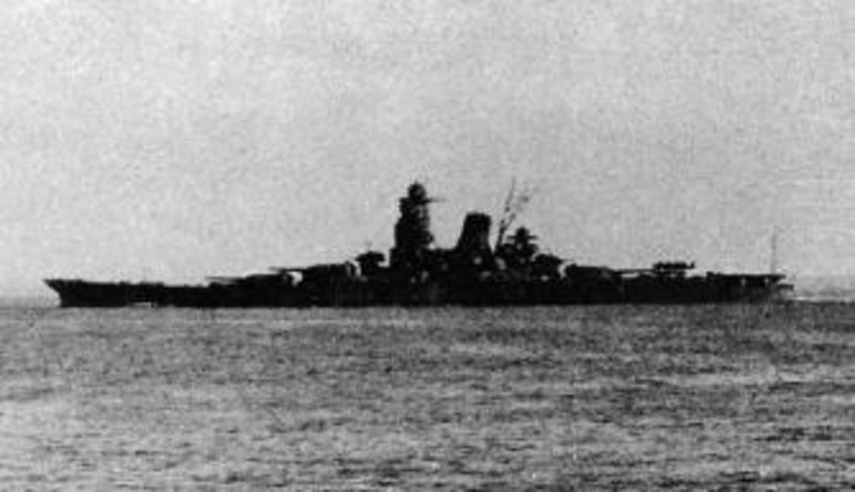 hight resolution of the musashi leaving brunei for the battle of leyte gulf october 1944