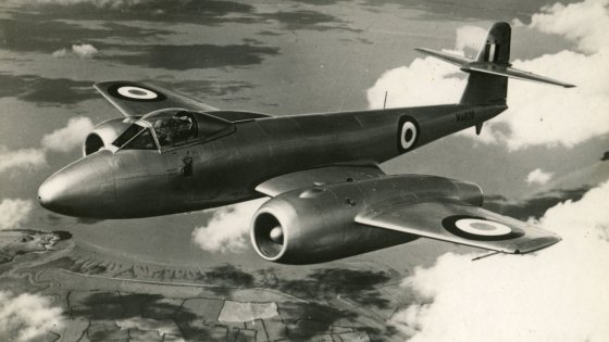 A British Meteor fighter jet circa 1950s, similar to the aircraft that the RAF's encountered the Topcliffe UFO.