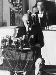https://i0.wp.com/www.history2u.com/fdr_infamy_speech.jpg?resize=184%2C248