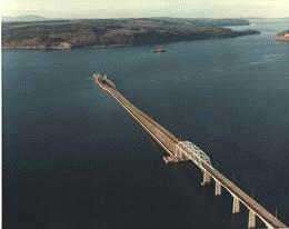 Hood Canal Bridge sinks during a severe storm on February