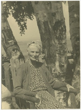 Frederick Cook's wife, Louise Belton. Image: Bytown Museum P1906.