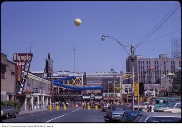 Yonge Street pedestrian mall, August 1971. Image: Harvey R. Naylor / City of Toronto Archives, Fonds 1526, File 5, Item 6.