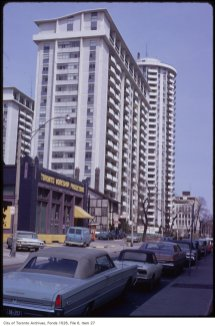 A view from the ground, April 27, 1981. Image: Harvey R. Naylor / City of Toronto Archives, Fonts 1526, File 6, Item 27.
