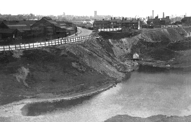 Marl hole, Rounds Green - 1920s. From A History Of Oldbury - click pic for link.