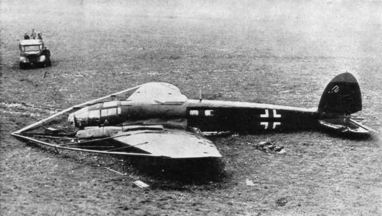 Heinkel He 111 H-8 cable cutter: side view