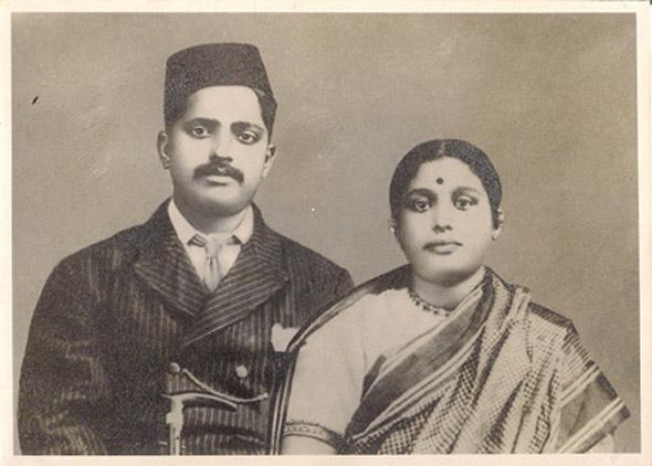 "Image and Text Contributed by Manorath Palan, Mumbai  ""My great-grand parents Mr Tavadappa Talwar and Mrs Laxmibai Talwar""  http://www.indianmemoryproject.com/13/"