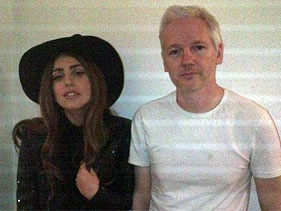 Lady GaGa - Julian Assange