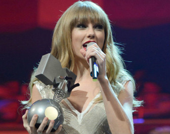 Taylor Swift at MTV EMA 2012