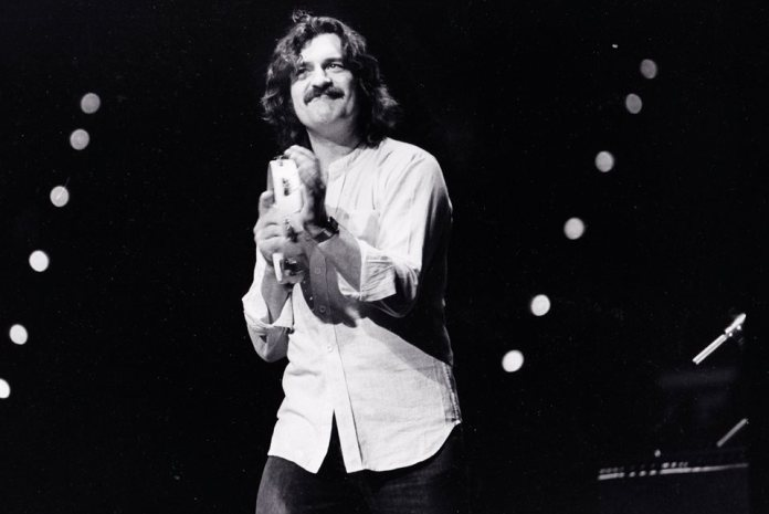 Ray Thomas - Hit Channel