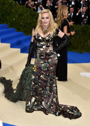 Madonna - Met Gala 2017 - Hit Channel