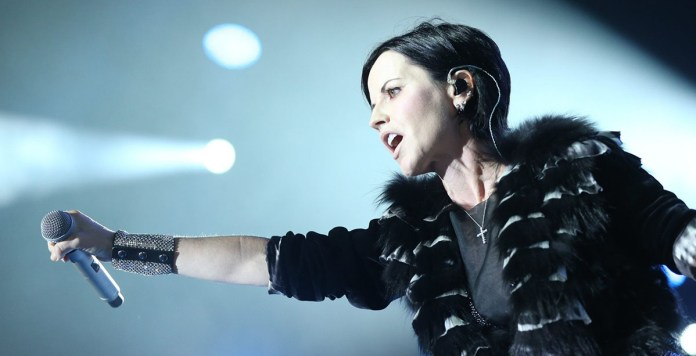 Dolores O'Riordan - The Cranberries - Hit Channel