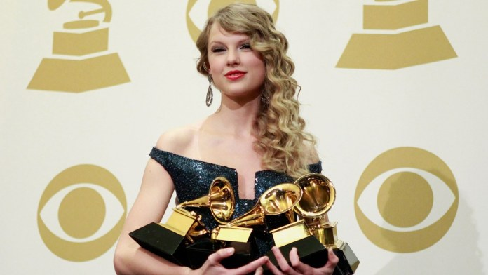 Taylor Swift - Grammy Awards 2010