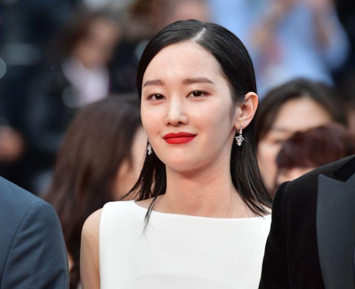 """CANNES, FRANCE - 16 MAI: L'actrice Jong-seo Jeon assiste à la projection de """"Burning"""" lors de la 71e édition du Festival de Cannes au Palais des Festivals le 16 mai 2018 à Cannes, France. (Photo par George Pimentel / WireImage)"""