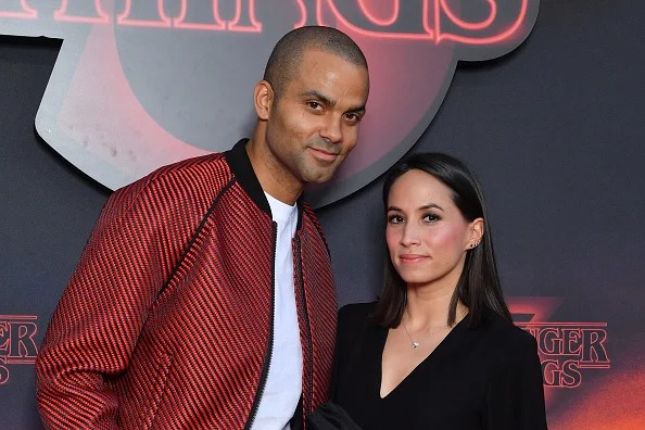 "PARIS, FRANCE - 04 JUILLET: Tony Parker et sa femme Axelle Francine assistent à la première de Netflix ""Stranger Things 3"" au Grand Rex le 04 juillet 2019 à Paris, France. (Photo par Stephane Cardinale - Corbis / Corbis via Getty Images)"