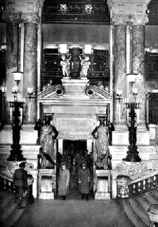 Resultado de imagen de hitler en la opera de parís