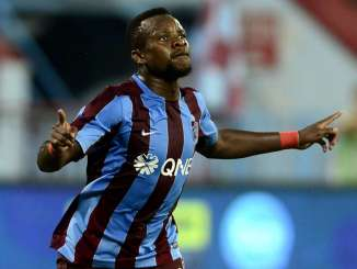 Trabzonspor fans give injured Ogenyi Onazi hero's welcome
