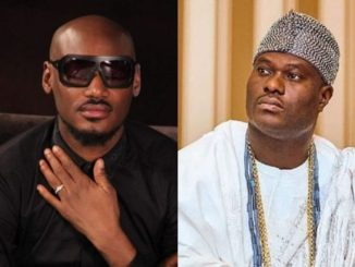 [VIDEO] 2Face Sings For The Ooni of Ife In His Palace
