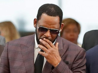 A Day at R. Kelly's New York Trial