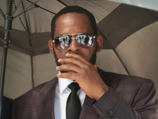 R. Kelly's Industry Contacts Have Reportedly Donated to Hire New Defense Lawyer