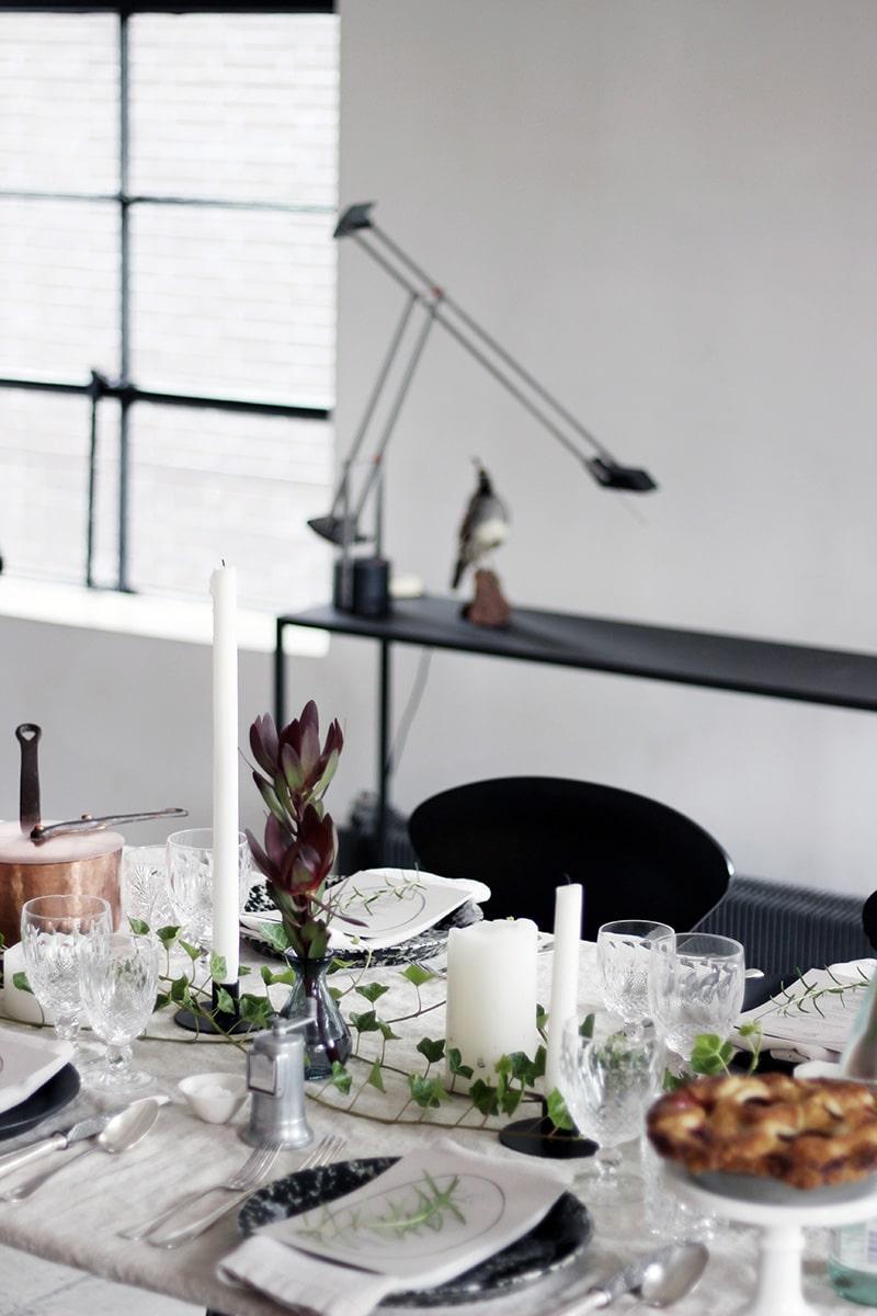 ディナーパーティーのテーブルセッティング