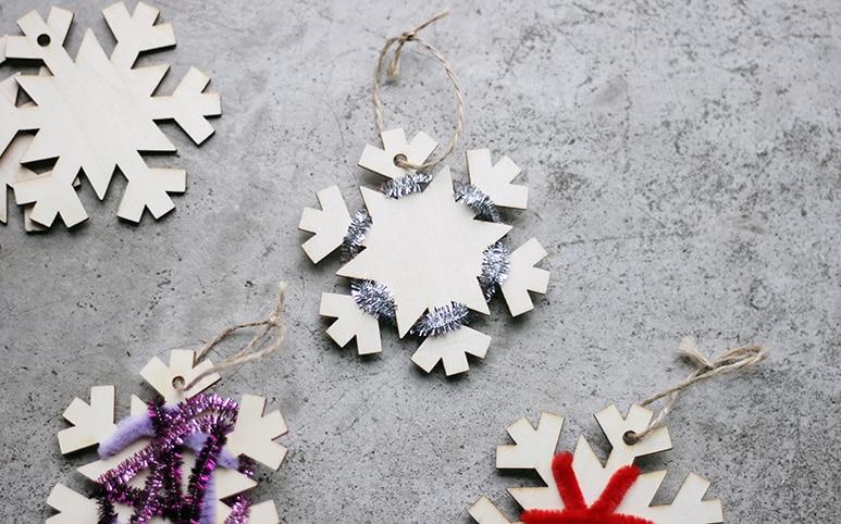 幼児向け冬の工作、クリスマスツリーの飾り