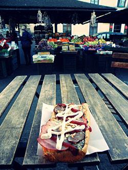 Une zapiekanka, le fast-food polonais par excellence à Cracovie