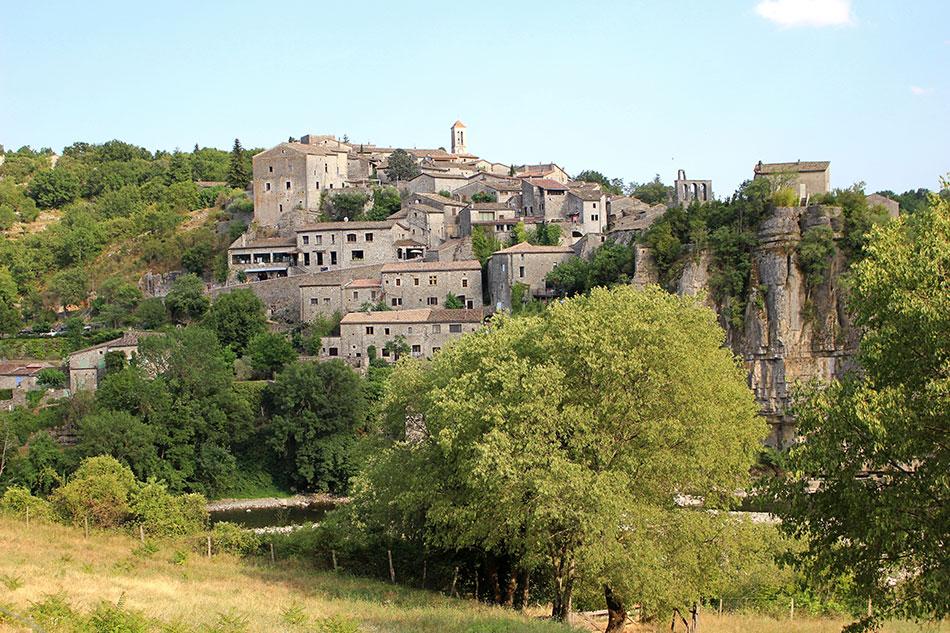 Balazuc fait partie des plus beaux villages du Sud Ardèche mais aussi de France.