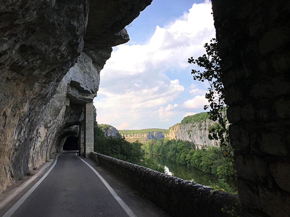 La route des défilés de Ruoms est une visite parfaite lors d'un weekend en Su Ardèche.