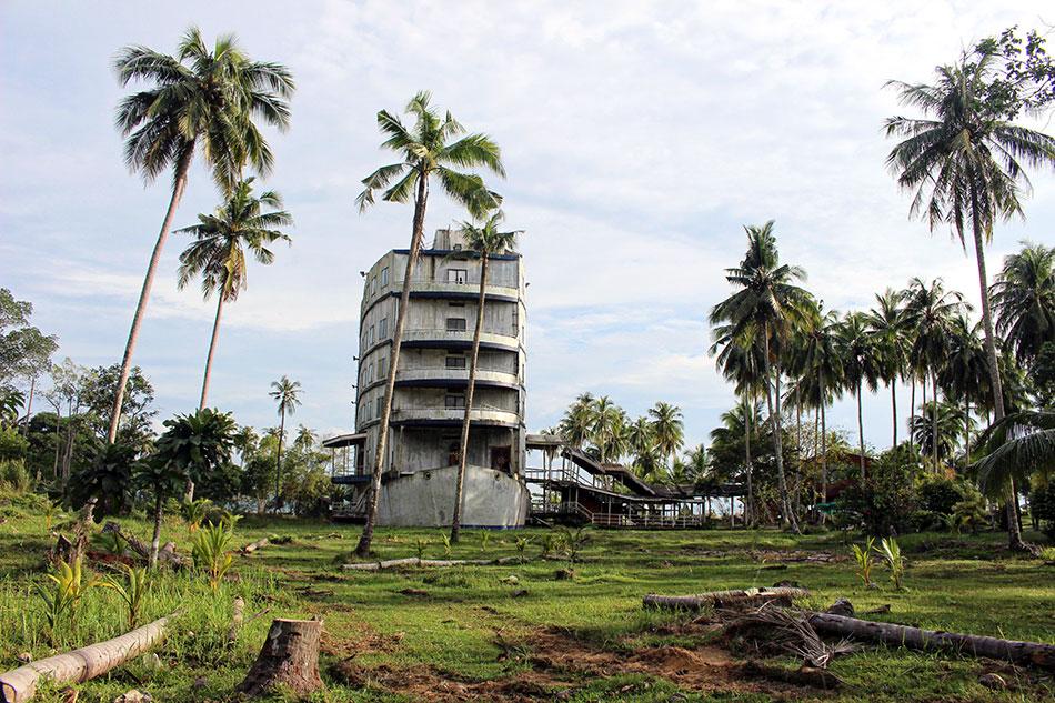 Hôtel abandonné en forme de bateau à Koh Chang en Thaïlande