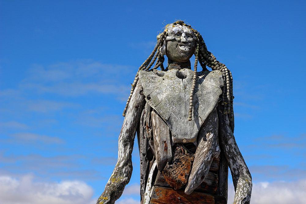 Statue en bois flotté à Lambert's Bay sur la côte ouest sud-africaine