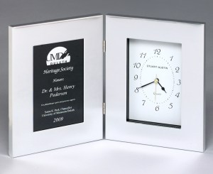 BC89 Silver Clock with Large Plate