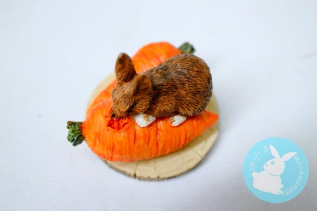 為食小兔食紅蘿蔔小擺設
