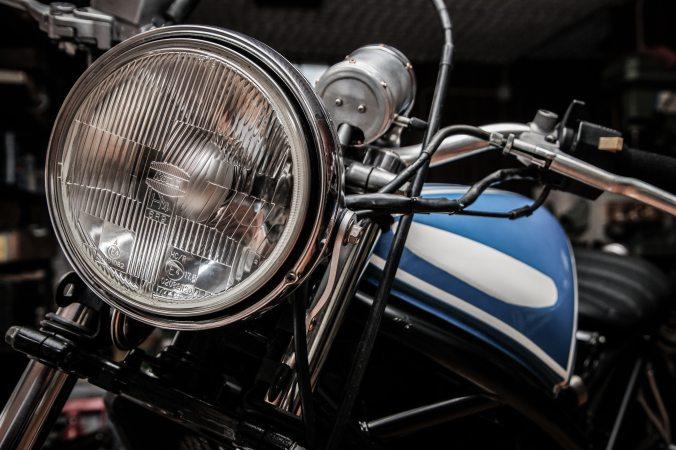 fahrzeug-motorrad-scheinwerfer-1658