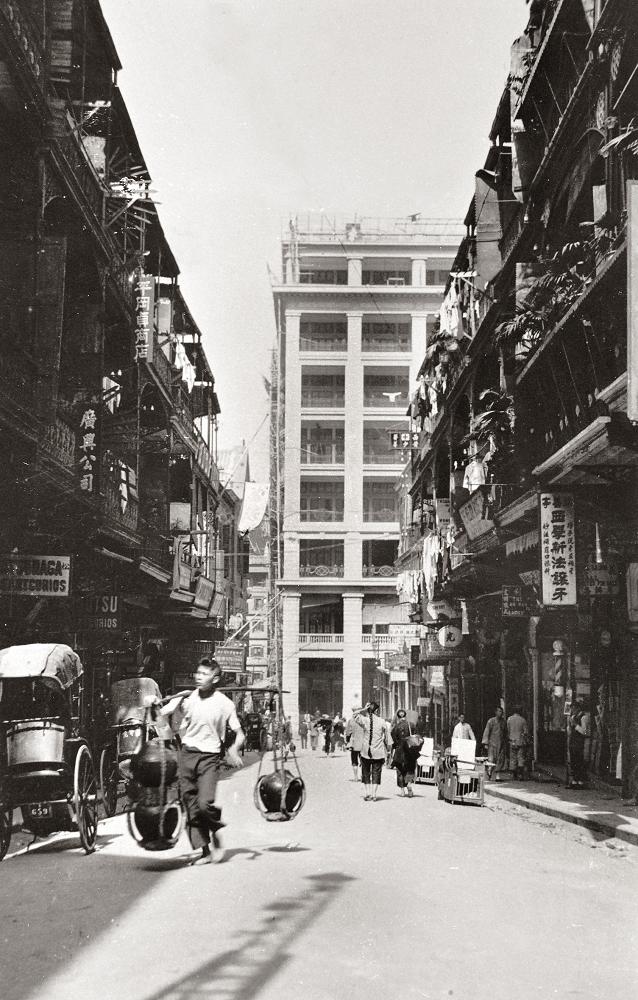 香港舊明信片 - 中環德己立街