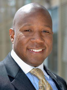 Portrait photo of Robert Livingston