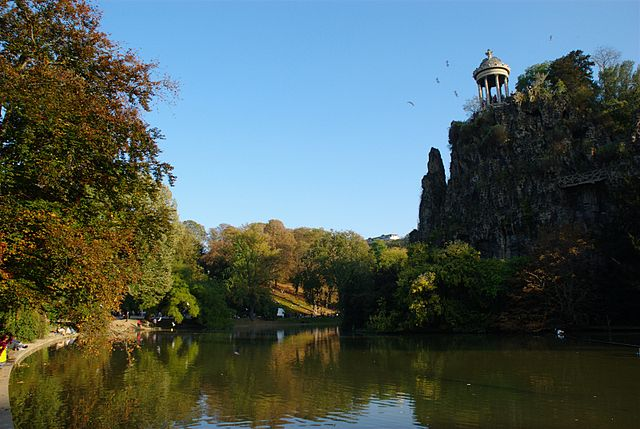 parc-Buttes-Chaumont-in-Paris