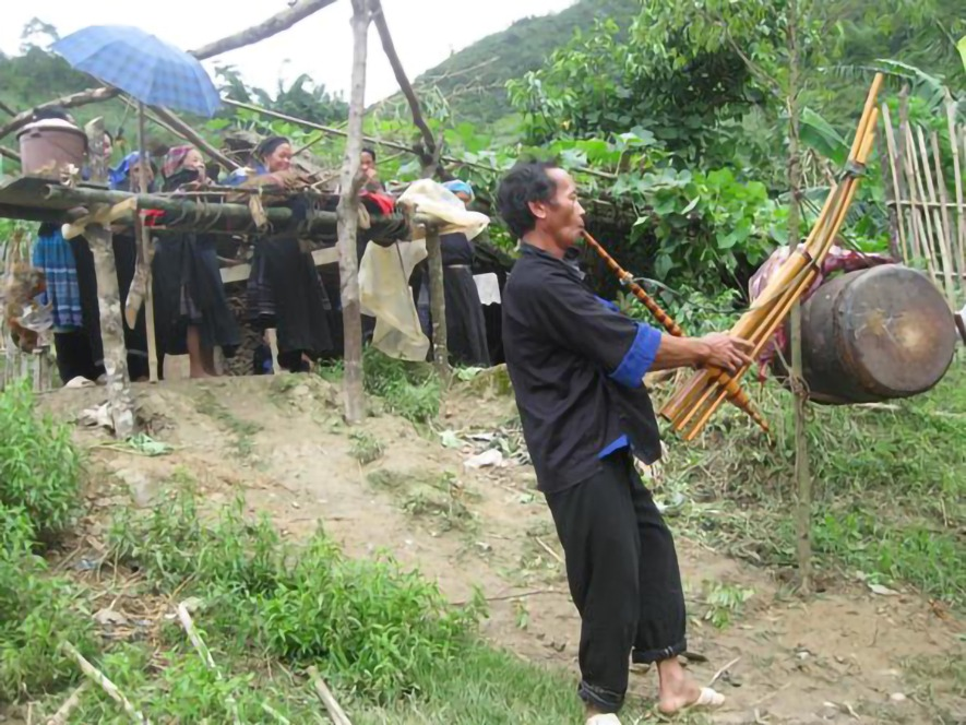Hmong Traditions - Death & Funerals