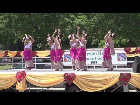 Ntxhais Ci Ntsa ( Rd2 ) Dance Competition @ Sheboygan Hmong Festival 7/14/2019