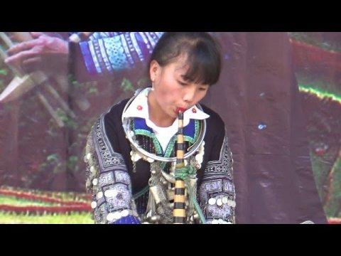 Nkauj hmoob nyab laj tshuab qeej 2018 - Lễ Hội Thi Khèn Mông Ruộng bậc thang Mù Cang Chải 2018