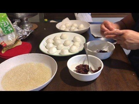 Hmong lucky is making sesame balls . Ua qe ncuav noob hnav 9-27-20
