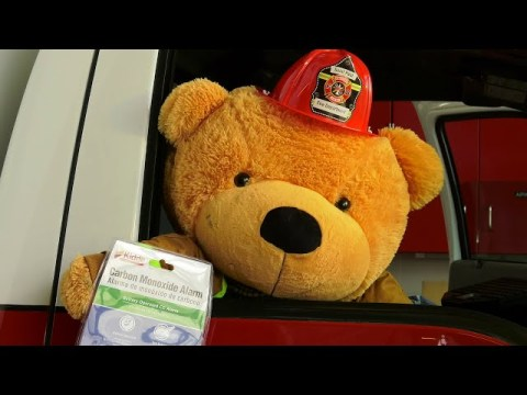 Burny Bear Talks About Carbon Monoxide and CO Detectors (Hmong Version)